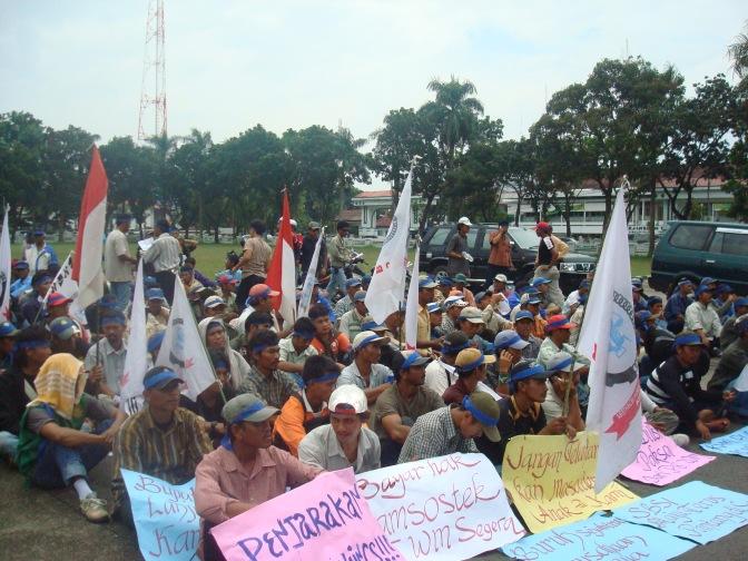 Unjuk Rasa eks Karyawan PT.Wahyuni Mandira